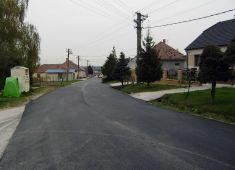 Oprava miestnej komunikácie (apríl 2017)